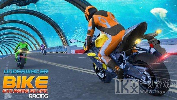 水下摩托车特技